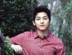 song-joong-ki-266985b09ed23738d58121afc63c0f27.jpg
