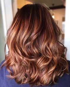 25 Stylish Copper Hair Color Ideas for Copper Hair Color Ideas in Fashion Trends for Different Lengths It is less and less common to meet a girl who would be satisfied with her n. Hair Color Auburn, Auburn Hair, Ombre Hair Color, Hair Color Balayage, Hair Highlights, Burgundy Balayage, Caramel Highlights, Copper Highlights, Blonde Balayage