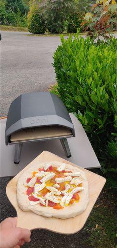 Découvrez la recette de la pizza Napolitaine dès aujourd'hui #pizza #napolitaine #pâte #recette #livre Pizza Napolitaine, Hawaiian Pizza, Swatch, Hui, Food, Essen, Meals, Yemek, Eten