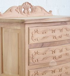 Traditional French Bedside / Philips Bedside Cabinet 3 Drawer / Dutch Connection