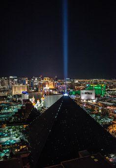 Las Vegas Hotel Tips. Sometimes, it is necessary to stay in a Las Vegas hotel. Las Vegas Airport, Las Vegas Vacation, Las Vegas City, Las Vegas Hotels, Las Vegas Strip, Las Vegas Nevada, Vacation Places, Vacation Destinations, Vacation Ideas