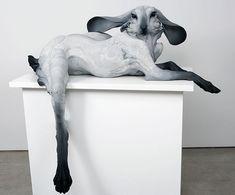 Esculturas de arcilla muestran al depredador y su víctima