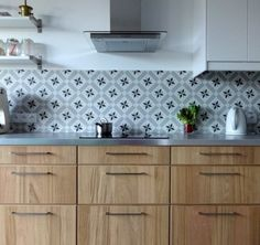 credence gray cement tiles metal kitchen worktop - Ikea DIY - The best IKEA hacks all in one place Smeg Kitchen, Kitchen Worktop, Kitchen Storage, Kitchen Dining, Kitchen Decor, Kitchen Cabinets, Küchen Design, Kitchen Furniture, Home Remodeling