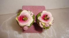Vtg-Hattie-Carnegie-Style-Pink-Flower-Celluloid-Rhinestone-Beaded-Clip-Earrings