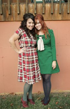 Rachel Denbow (@Smile and Wave) and Katie Shelton (@Katie Shelton ) in pretty vintage dresses.  Particularly love the plaid.  So fun!