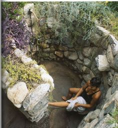 Outdoor Shower Love This Rock Walled Shower - # Outdoor Shower . Outdoor shower love this rock walled shower - # Outdoor shower Outdoor Baths, Outdoor Bathrooms, Outdoor Rooms, Outdoor Gardens, Outdoor Living, Outdoor Kitchens, Outside Showers, Outdoor Showers, Dream Shower