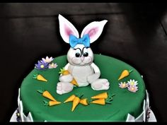 Cake decorating tutorials | how to make a fondant Easter bunny figurine ...