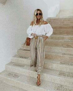 Calça cropped listrada com blusa ombro a ombro  the salty blond  listras   moda  fashion de8cdaa3b04e7