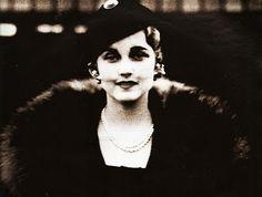 Scala Regia Inspirational Archives: Good Girls