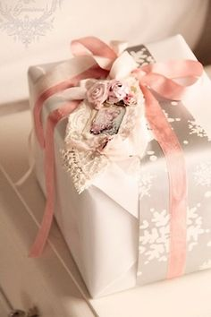Pretty in pink!!! Bebe'!!! Love this elegant pink themed gift wrap presentation!!!