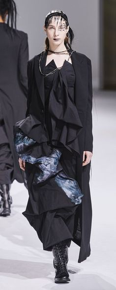 Gothic Gowns, Yohji Yamamoto, Ready To Wear, Fall Winter, Photos, How To Wear, Collection, Style, Fashion