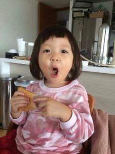 秋山成勲の娘サランちゃんの画像   韓国留学終了!たけちゃんぶろぐ - http://ameblo.jp/bambooo76/image-11671391065-12739967769.html