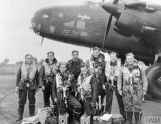 Handley Page Halifax, Maximum Effort, Nose Art, Genoa, Turin, Armed Forces, Cologne, Old Photos, Caption