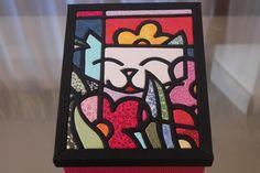 Caixa MDF forrada com tecido interna e externamente, podendo variar cores e estampas conforme sua vontade. R$ 85,00