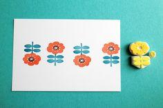 【再販】北欧風 ポピーの 多色押し消しゴムはんこ                                                                                                                                                                                 もっと見る Origami Paper Art, Diy Origami, Potato Stamp, Stamp Carving, Handmade Stamps, Linoprint, Stencil, Art Graphique, Tampons