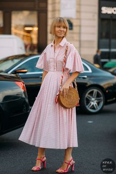 celebrity fashion outfit inspiration street style Th… godmother dress… Fashion Trends 2018, Celebrity Fashion Outfits, Current Fashion Trends, Modest Fashion, Celebrity Style, Fashion Tips, Ladies Fashion, Fashion Bloggers, Fashion Brands