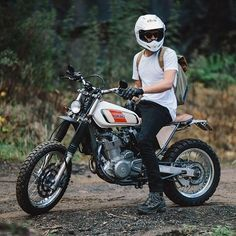 Suzuki (with Yamaha XT tank) from like on the throttle . - Yamaha - # on # - - Tracker Motorcycle, Scrambler Motorcycle, Moto Bike, Honda Motorcycles, Vintage Motorcycles, Custom Motorcycles, Custom Bikes, Bobber, Women Motorcycle