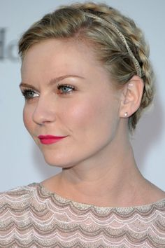 spice up the Heidi braid without looking too busy. A small and sparkly headband is key for this elegant look.
