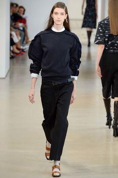 Jil Sander Spring 2015 Ready-to-Wear Fashion Show - Josephine van Delden