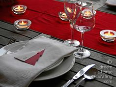 Christmas table setting in silver, white, grey and red: This is a Christmas table setting I made as a present for my best friend. I liked it so much that I *had* to photograph it before taking it over to her