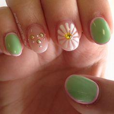 Flower summer nail art design
