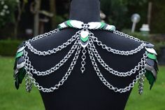 Loki's armour! My handmade chainmail shoulder armour! My selfmade chainmail is also on facebook @ Ivy's Scale Mail and on instagram @ ivys_scale_mail #ivysscalemail #chainmail #handmade #scalemail #loki