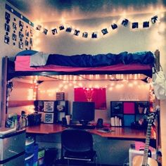 By far my favorite dorm setup! I want my dorm to look like this! Cool little desk sanctuary underneath bunked bed // dorm room inspiration // dorm room decoration and designs by charity Indie Room, Cool Dorm Rooms, Awesome Bedrooms, Teen Rooms, Teenage Bedrooms, Decoration Inspiration, Room Inspiration, Dorm Room Pictures, Hang Pictures