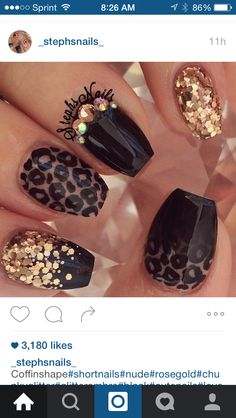 Cute black and gold nail art. Are you looking for autumn fall nail colors design for this autumn? See our collection full of cute autumn fall nail matte colors design ideas and get inspired! Glam Nails, Matte Nails, Glitter Nails, Gorgeous Nails, Love Nails, Fun Nails, Colorful Nail Designs, Fall Nail Designs, Gold Designs