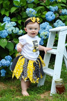 Fabric Tutu, Busy Little Bee, Shabby Chic Fabric Tutu, Photo Prop Tutu, Childrens Toddler Tutu, bumble bee Birthday, bee Halloween costume