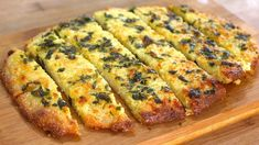 This healthy Garlic Bread recipe is low carb, low sugar, and Keto diet friendly! Keto Diet Fast Food, Best Keto Diet, Lunch Recipes, Low Carb Recipes, Healthy Recipes, Healthy Food, Low Carb Bread, Low Carb Keto, Healthy Garlic Bread
