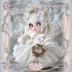 **B'cherry** カスタムブライス *.。白い贈り物たち .。* _画像5 Doll Painting, Doll Dresses, Milk Tea, Custom Dolls, Blythe Dolls, Beautiful Dolls, Doll Clothes, Auction, Teddy Bear