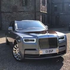 Check Out The Luxurious Rolls Royce Phantom 8