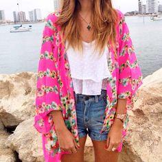 Kimono Flower Print de @bohoecuador #kimono #beach #beachwear #floral #fuchsia #ecuador #salinas #boho #fashion #madeinecuador #zocoshop
