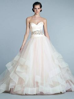 The most important elaboration in the life of every girl – a wedding dress
