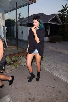 05.27.14: [HQ] Kylie heading to Andy LeCompte Salon in West Hollywood with Shamari and Scott Cunha