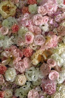 The best winter wedding flowers