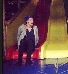 Mikey Way on a giant slide. Your argument is invalid. <<<< the rare sight of a smiling Mikey Way Mikey Way, My Chemical Romance, Mcr Memes, Band Memes, Band Quotes, Brendon Urie, Emo Bands, Music Bands, Kobra Kid