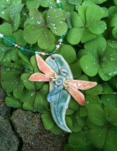 Sunset Dragonfly par TheDruidsDen sur Etsy, $28.00    a very kind seller! a very positive energy ! please share !