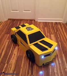 Transforming Bumblebee Transformer Homemade Costume Source by Halloween Kid Games, Bumblebee Halloween Costume, Transformer Halloween Costume, Halloween Costume Contest, Halloween Ideas, Halloween 2019, Halloween Stuff, Transformers For Kids, Bumblebee Transformers