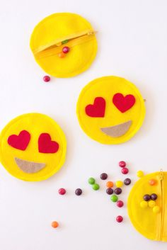 Emoji party DIY favors