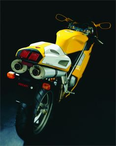 Ducati Superbike 748R (2002) - 2ri.de