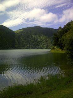 Açores: Paseo por Lagoa Verde Sete Cidades Sete Cidades 6166421 http://www.minube.com/fotos/rincon/962371/6166421