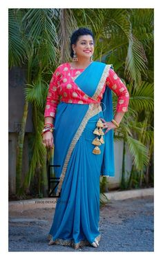 Best 12 Beautiful Roja Selvamani in Firoz Design Studio… Embroidered Blouse and Designer Saree for Jabardasth ExtraJabardasth ETV . Photography by acharya photography AV photography To contact : 9505340228 / 8142049755 . Designer Blouse Patterns, Fancy Blouse Designs, Saree Blouse Neck Designs, Bridal Blouse Designs, Designs For Dresses, Latest Blouse Designs, Saree Blouse Patterns, Lehenga Blouse, Stylish Blouse Design