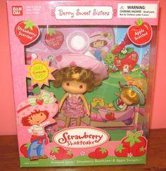Bandai Berry Sweet Sisters SUMMER LOVIN STRAWBERRY SHORTCAKE & APPLE DUMPLIN