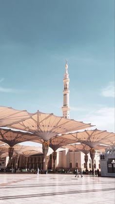 Islamic Wallpaper Iphone, Quran Wallpaper, Mecca Wallpaper, Islamic Quotes Wallpaper, White Wallpaper, Muslim Pictures, Islamic Pictures, Mecca Masjid, Medina Mosque