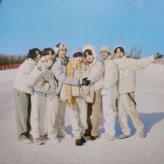 Bts Group Picture, Bts Group Photos, Group Pictures, Bts Pictures, Foto Bts, Bts Photo, K Pop, Bts Jungkook, Taehyung