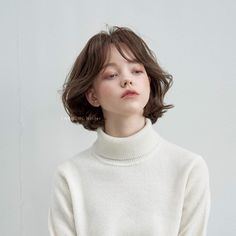 Cute girl with short hair Aesthetic People, Aesthetic Girl, Girl Face, Woman Face, Pretty People, Beautiful People, Portrait Inspiration, Hair Inspiration, Short Grunge Hair
