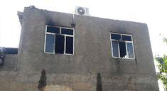 DİYARBAKIR - Diyarbakır'ın Çınar ilçesinde iki katlı bir evin üst katında belirlenemeyen bir nedenden dolayı çıkan yangında büyük çapta ma...
