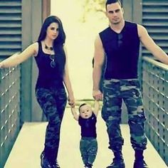 Couple With Baby, Anime Love Couple, Army Men, Army Guys, Air Force Uniforms, Indian Army Quotes, Kurta Pajama Punjabi, Amazing Dp, Pakistan Armed Forces
