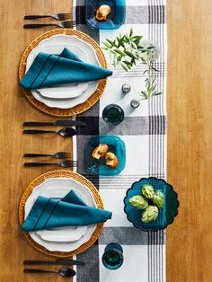 Get this look! Rich fall hues for a fresh, contemporary take on traditional. Get everything you need @Target or Target.com #Target Linen Napkins, Napkins Set, Dining Plates, Glass Serving Bowls, Centerpieces, Table Decorations, Square Plates, Country Charm, Flatware Set